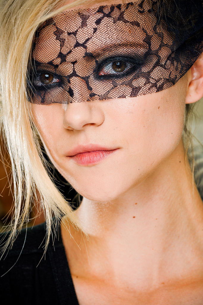chanel beauty fall 2011 couture 2