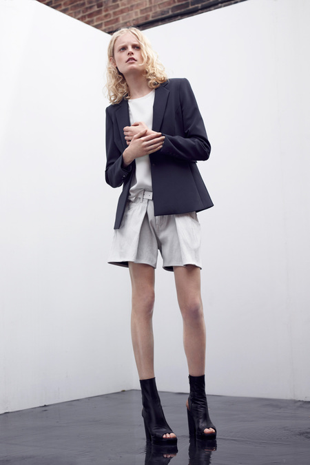 TheyskensTheory_009_1366.450x675